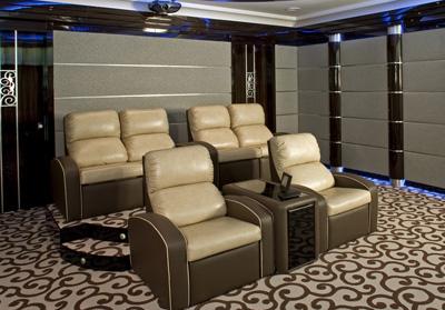 Кресло серии Deco в частном домашнем кинотеатре